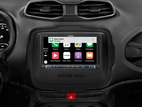 Jeep-Renegade-Works-with-Apple-CarPlay-iLX-702RN